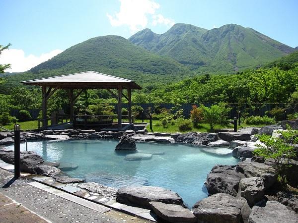 景観に優れた「山恵の湯」